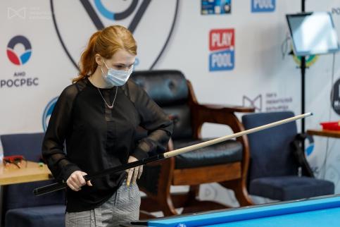 Аня Фатахова стала обладательницей кия Pechauer Custom Cue и путевки на межрегиональный Суперфинал